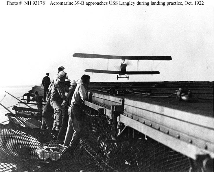 El USS Langley CV-1 en 1923